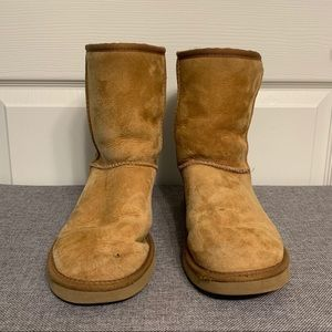 UGG Classic Short Chestnut Suede Boots